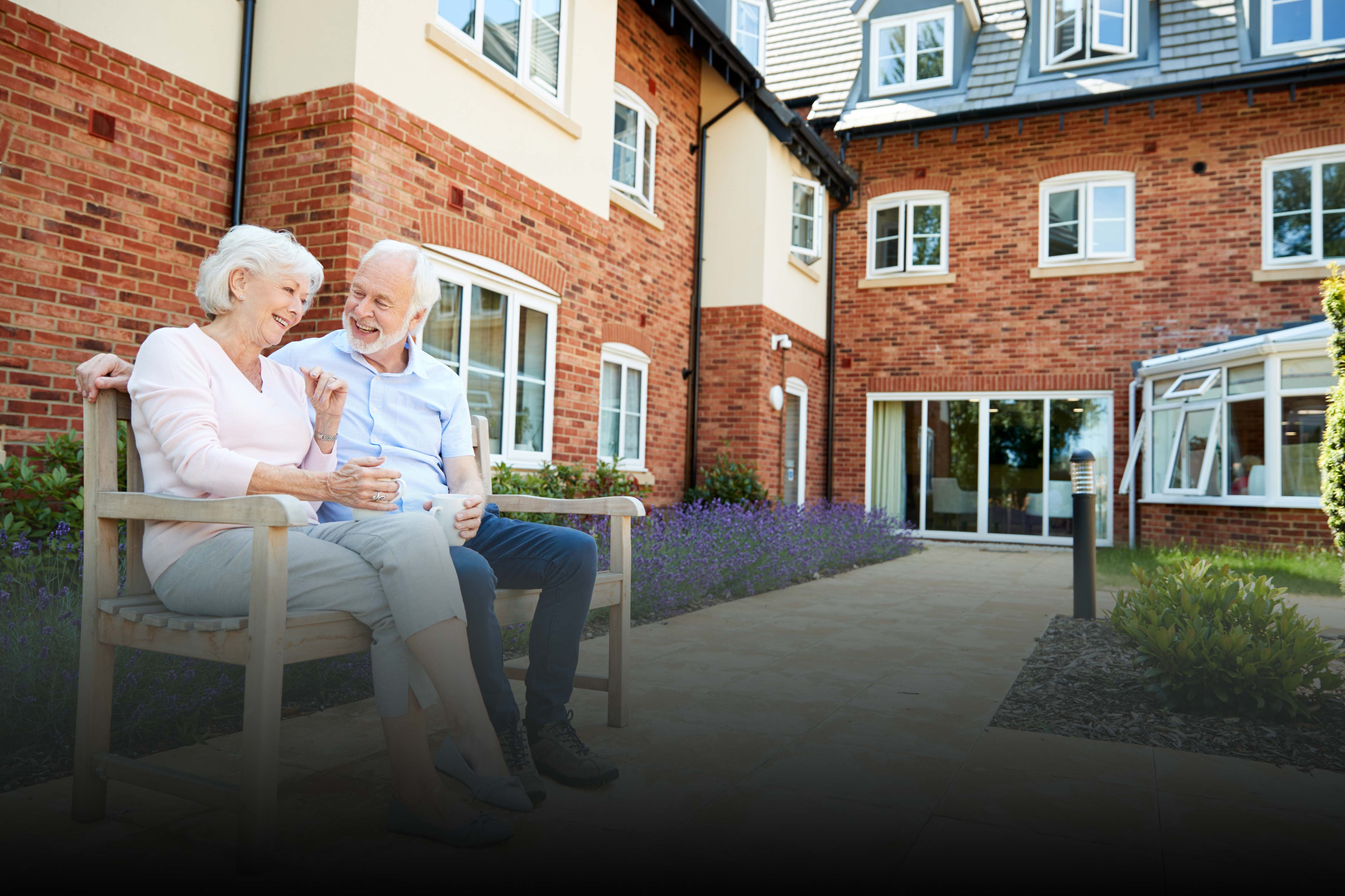 Assisted Living Facilities - How senior citizens can enjoy living in senior communities?