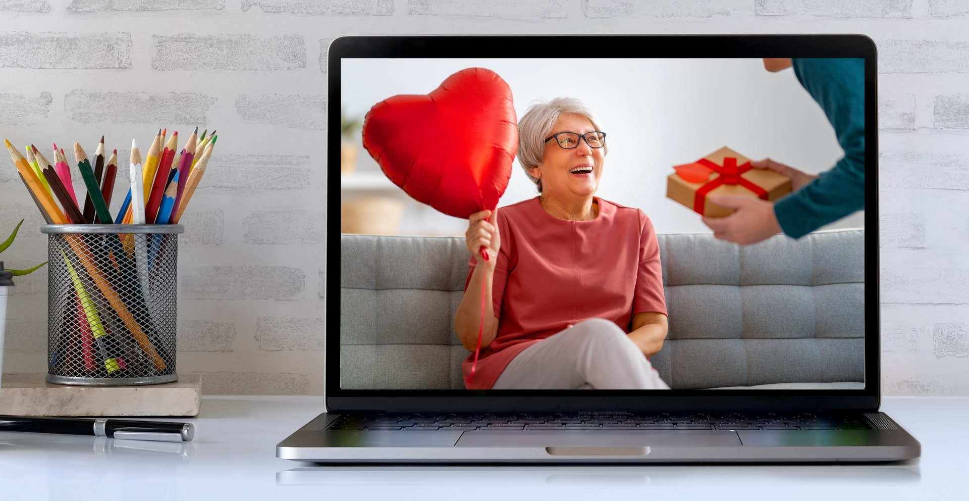 5 Exciting Virtual Activities for Seniors on Valentine's Day
