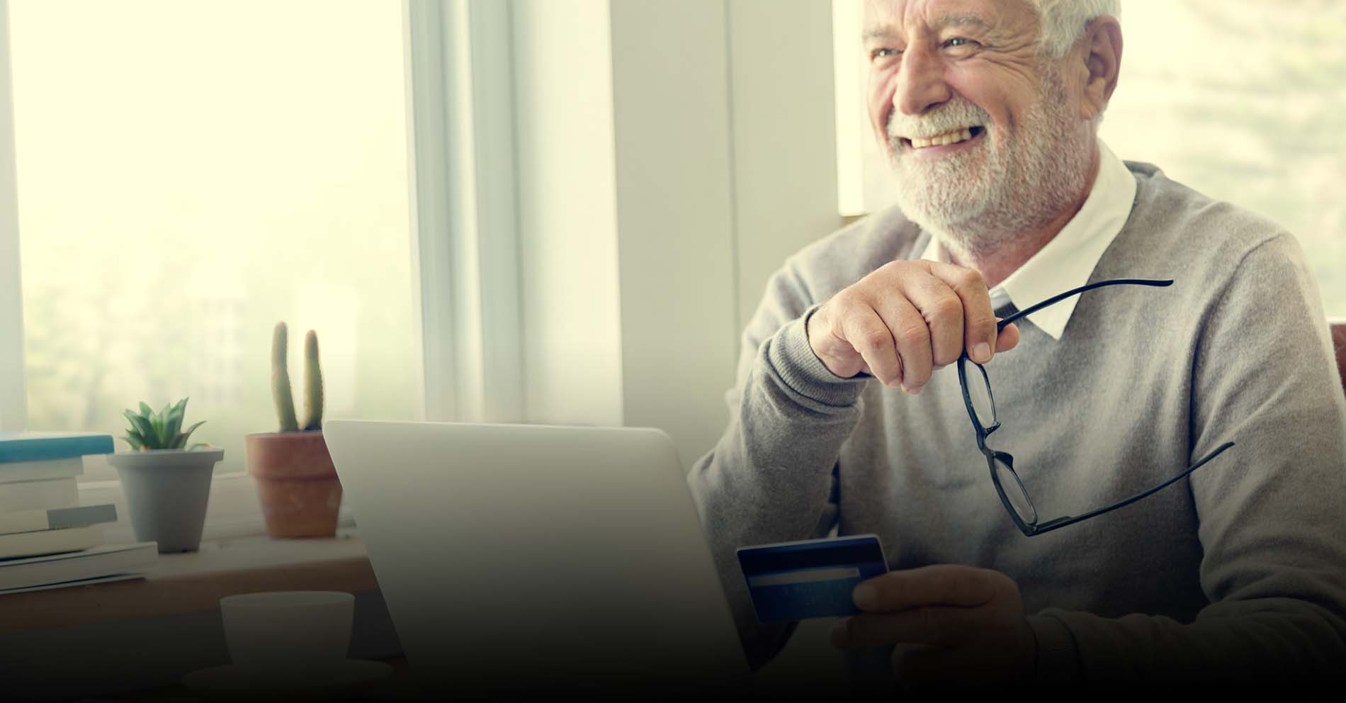 Credit Cards for Senior Citizens in India – Eligibility, Challenges & Popular Options