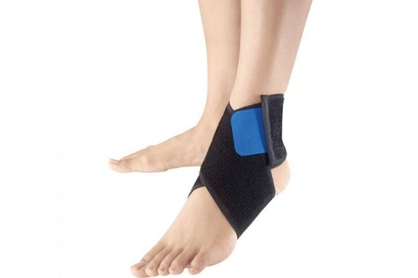 North American Health Compression Set of Two Ankle Supports Size Medium